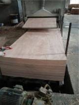 2.5MM 3MM OKOUME PLYWOOD SAPELE PLYWOOD REDHARDWOOD PLYWOOD PANEL