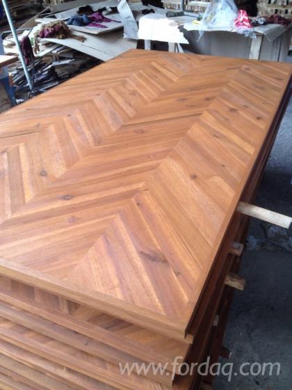Componentes de madeira maciça