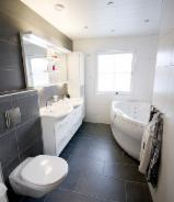 B2B Kupaonski Namještaj Za Prodaju - Fordaq - Garniture Za Kupatila, Dizajn, 1 komada Spot - 1 put