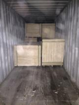 Plywood Panels - 5/7/8/8.5/11/11.5/14/18 mm Commercial Plywood with Red Face from Vietnam Supplier