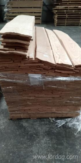 Ukraine-Red-Oak-Veneer--210-cm-and