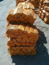 Firewood, Pellets And Residues - Beech and Oak Cleaved Firewood From Ukraine