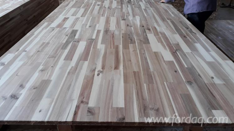 Finger--Butt-Jointed-Edge-Glued-Laminated-Panels-in-Acacia