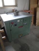 Machines, Quincaillerie et Produits Chimiques - Vend Machines À Plaquer Sur Chant BCR K100 Occasion Italie