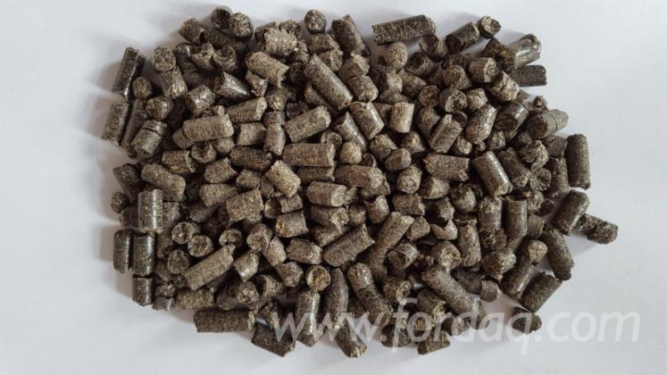 Sonnenblumenschalen Pellets  lose + in 15 kg Säcken 6 + 8 mm