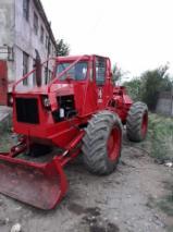 Oprema Za Šumu I Žetvu Šumarski Traktor - Šumarski Traktor -- Polovna 2004 Rumunija