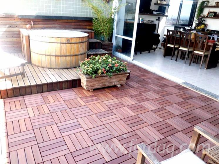Ipe Wood Tiles With Plastic Under Based