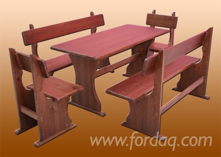 Garniture Za Vrtove, Tradicionalni