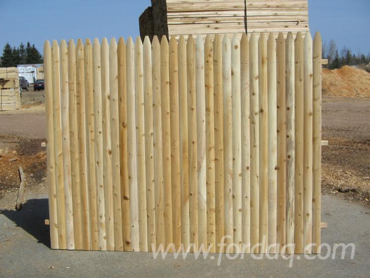 Spruce fence panels
