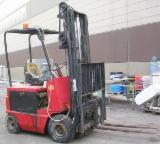 Finden Sie Holzlieferanten auf Fordaq - Pieri Macchine S.p.A. - Gebraucht < 2010 Gabelstapler Zu Verkaufen Italien