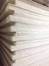 Veneer and Panels - 7-14 mm Packing Plywood with Glue E2 ( glue 70% + water 30%) from Vietnam