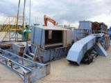 Machines, Quincaillerie et Produits Chimiques - Vend Machine À Faire Des Plaquettes De Bois ZPHU OSKA OKZB300 Occasion Pologne