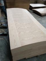 2.5-18 mm AAA Oak Veneer Laminated MDF Board