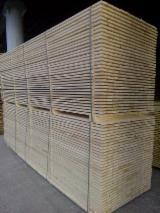 Sciage à palett Shipping Dry - Réssuyé - Vend Sciages Epicéa - Bois Blancs Shipping Dry - Réssuyé (KD 18-20%)