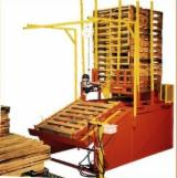 OM Woodworking Machinery - NAILING PALLET MACHINE