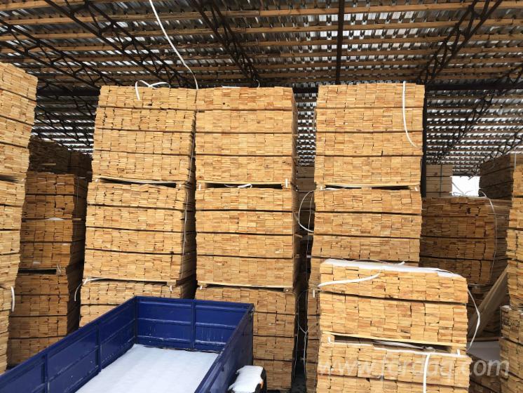 Vend Sciages Pin - Bois Rouge Shipping Dry - Réssuyé (KD 18-20%) Ukraine
