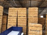 Sciage à palett Shipping Dry - Réssuyé - Vend Sciages Pin - Bois Rouge Shipping Dry - Réssuyé (KD 18-20%)