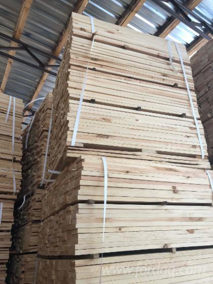Vend Sciages Pin - Bois Rouge Shipping Dry - Réssuyé (KD 18-20%)