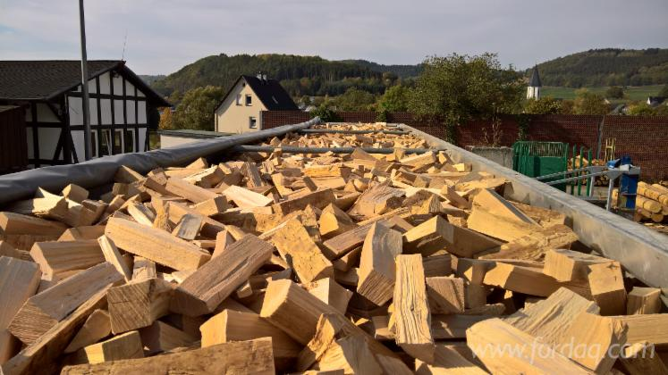 Wholesale Beech Firewood/Woodlogs Cleaved from Germany