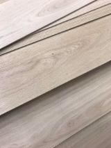 Flooring and Exterior Decking - Oak top layers / lamellae