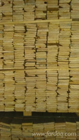 Vend Sciages Pin Elliotis , Pin Taeda Séchage Artificiel (KD) Brésil