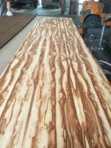Finden Sie Holzlieferanten auf Fordaq - INWOOD ENTERPRISE Co., Ltd. - Extravagantes (dekoratives) Sperrholz, Walnuss