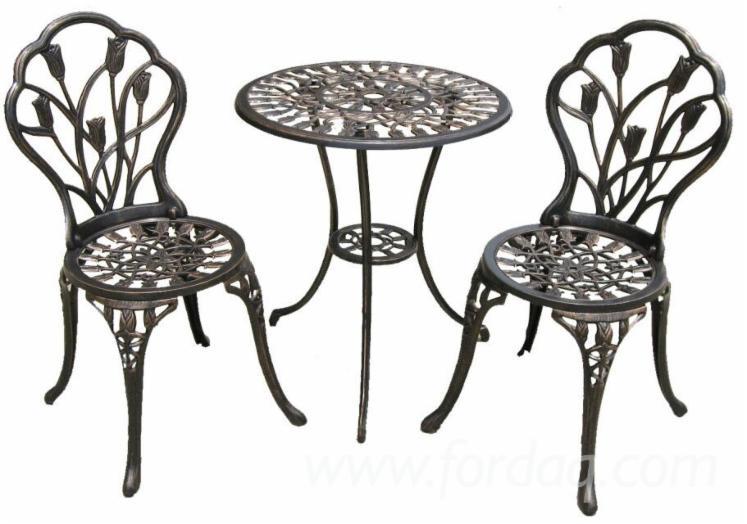 Use-cast-aluminum-patio-furniture-for