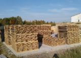 Larch Garden Products - Fence panels made of larch wood unedged boards