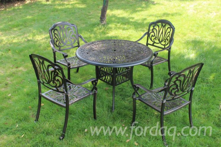 Outdoor-furniture--aluminum