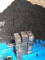 Bûches - Granulés - Plaquettes - Poussières - Délignures ISO-9000 - Vend Briquette De Charbon ISO-9000 Kieve