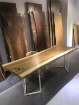 Find best timber supplies on Fordaq - Dongguan Seeland Wood Limited - Rain wood table top with oil painting
