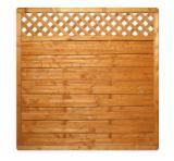 Find best timber supplies on Fordaq - Euro-Astar P.P.H.U. Krzysztof Korczyk - shield fence with trellis, glazed in honey colour