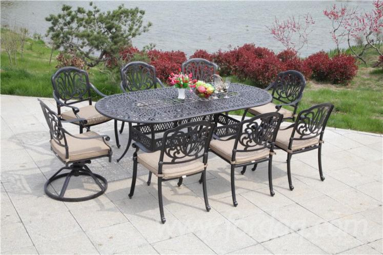 durable-dinning-table-and-chairs-cast-aluminum