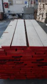 Find best timber supplies on Fordaq - SEGHERIA GRANDA LEGNAMI SRL - AD Edged Red Oak, Quality A