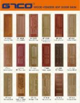 Moulded hdf door skin with natural veneer surface