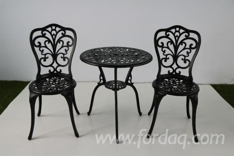 Outdoor-Cast-Aluminium-Furniture-3