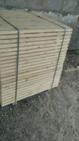 Pallethout - Zie Beste Hout Voor Pallets Aanbiedingen - Gewone Spar - Vurenhout, Den - Grenenhout, Spar , 35 - 350 m3 Vlek – 1 keer
