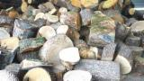 Hrastovi odčelki - krajniki za drva, sekance ali biomaso