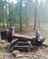 Forstmaschinen - Entaster APOS Durchzugsentaster Entastungsgerät