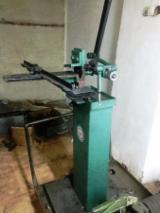 R-A Manual Toothing Machine