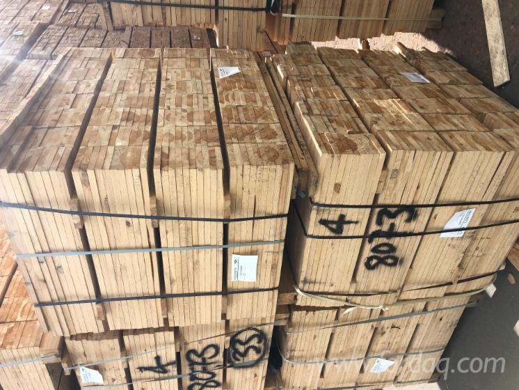 Vender Tábuas Com Cantos Inacabados (loose) Pinus - Sequóia Vermelha, Abeto - Whitewood 22 mm Alemanha