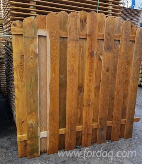 Panello / frangivista con lamelle verticale in pino autoclavato