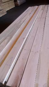 Sciages Et Bois Reconstitués Amérique Du Sud - Vend Avivés Eucalyptus