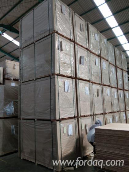Vender Contrachapado / Compensado Comercial 2.7; 3.4; 5; 8; 12; 15; 18 mm Indonésia