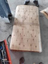 Eucalyptus Rotary Cut Veneer, 1.5-2.3 mm, Machine-Dried to 8% MC