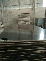 Brown Acacia+Eucalyptus Film Faced Plywood, 8-18 mm