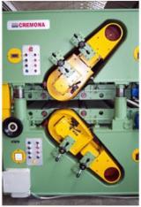 Finden Sie Holzlieferanten auf Fordaq - Angelo Cremona S.p.A. - Gebraucht Angelo Cremona CSI2000 2011 Reinigungsbürsten Zu Verkaufen Italien