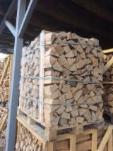 Wholesale Biomass Pellets, Firewood, Smoking Chips And Wood Off Cuts - FSC Beech, Hornbeam Firewood/Woodlogs Cleaved