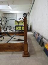 Leg rails, tables