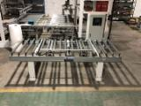 Convey table with centering device